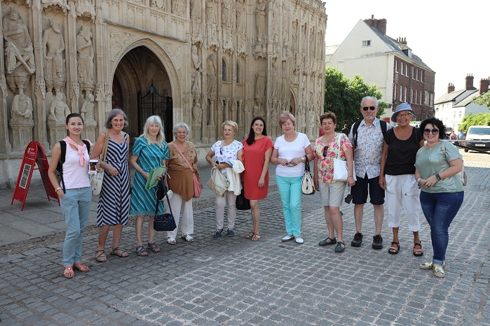 Members of Exeter Yaroslavl Twinning Association with guests from Yaroslavl — with Marilyn Pegg, Nina Chernushkina, Ludmilla Korbut, ирина ефимова and Peter Barker at Exeter Cathedral