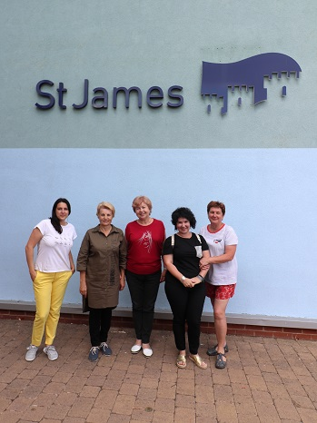 Antonina Kochetkova, Irina Efimova, Elena Anfilofyeva, — with Nina Chernushkina and Ludmilla Korbut at St James School, Exeter