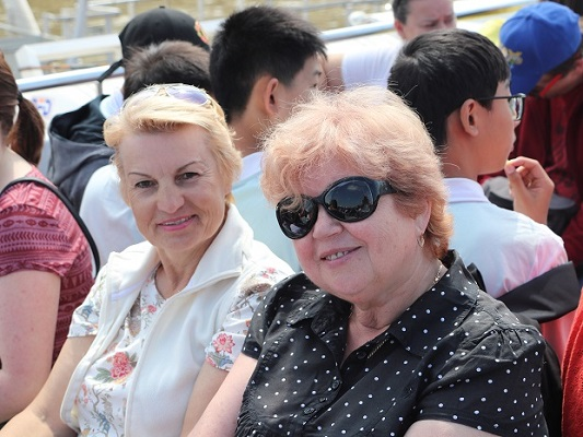Tonya and Ludmilla Korbut on London boat trip — at London Eye River Cruise