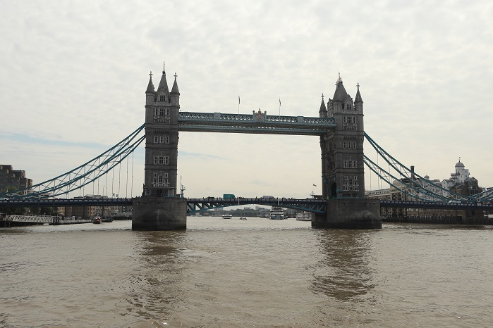 Boat cruise on River Thames London with Yaroslavl Guests — with Nina Chernushkina and Ludmilla Korbut at Tower Bridge