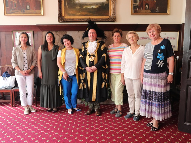 Guests from Yaroslavl + Ira from Moscow who lives here — with Nina Chernushkina, Ludmilla Korbut and Lord Mayor of Exeter at Exeter Guildhall