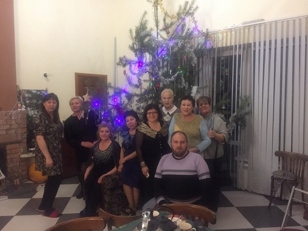 SCommittee of Yaroslavl Exeter Friendship Association at the home of Olga and Aleksei Volkov